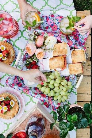 週末ピクニックの会