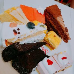 ケーキ食べ放題大好き!!
