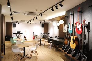 社会人・初心者の音楽教室×バンドサークル「MUZYX」