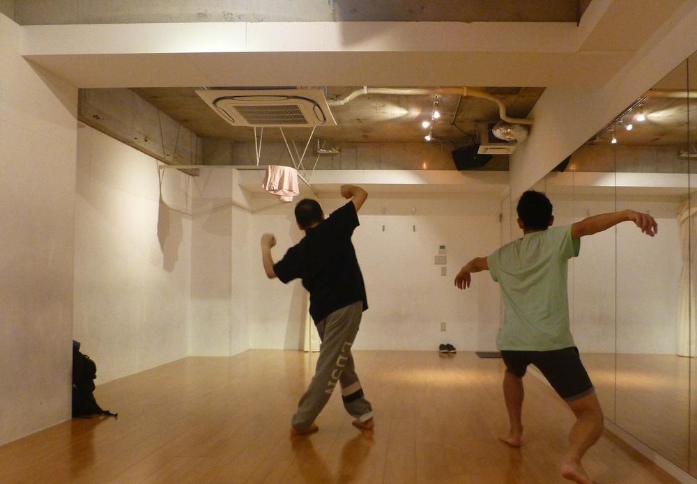 踊ったりストレッチしたり リラックスした平日夜 in 新宿