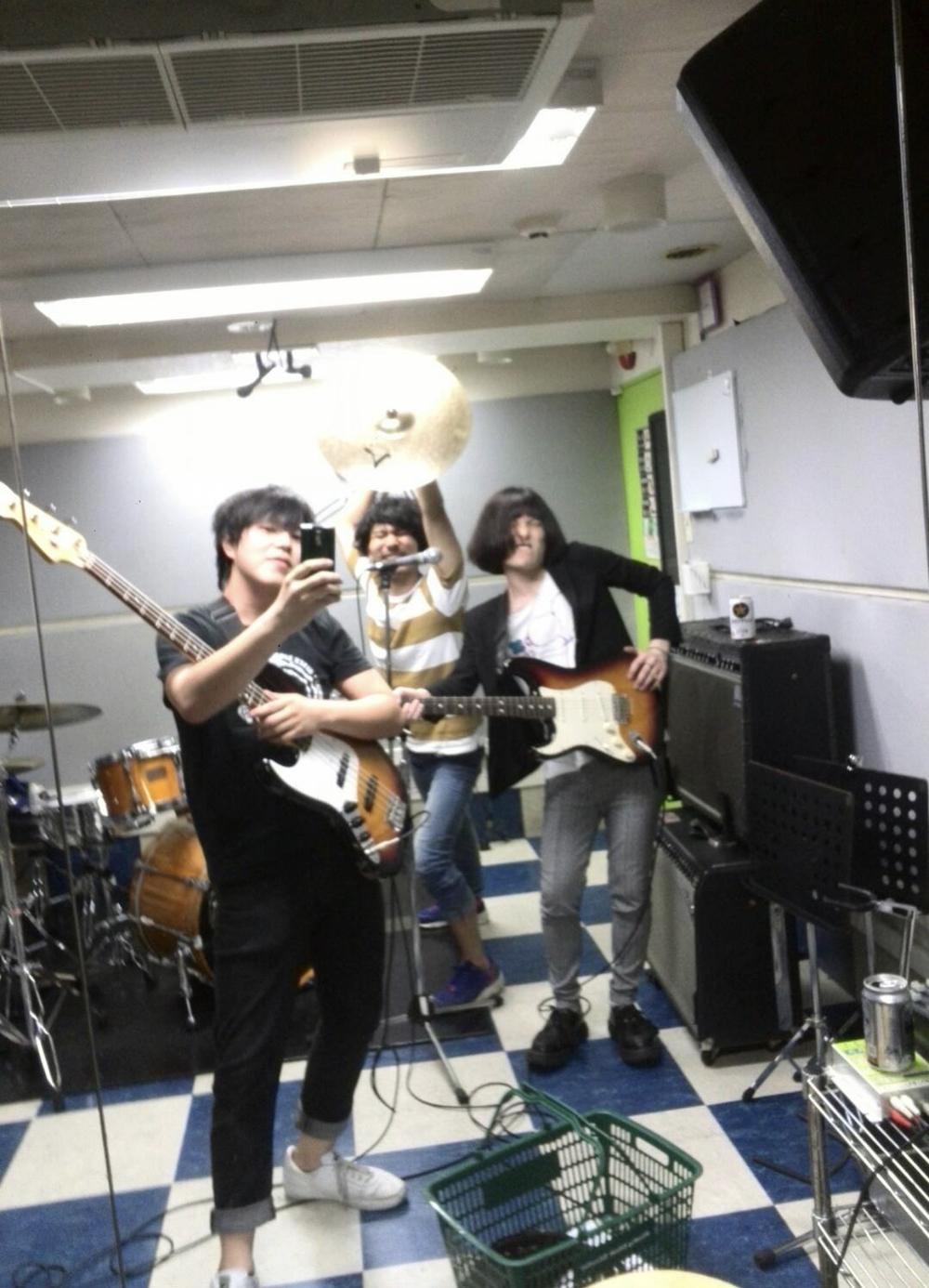 9月24日 19:45~22:00 新宿で一緒にバンド・楽器演奏・音楽を楽しもう!!
