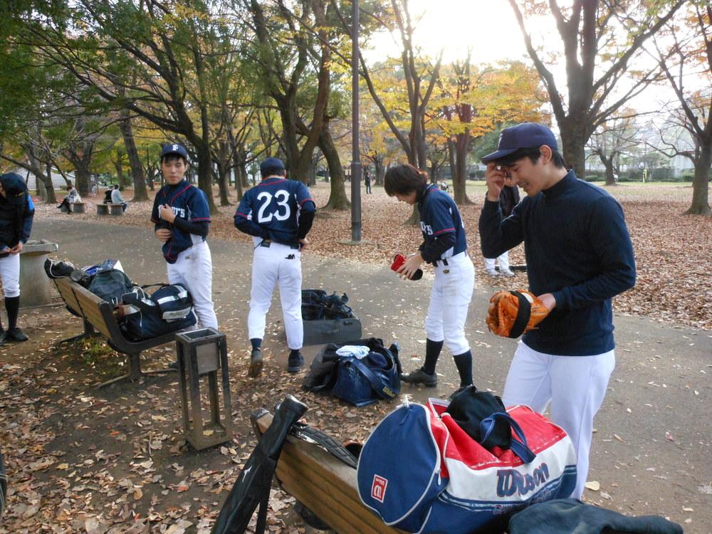 【女子マネージャー募集中!】野球に少しでも興味があればOKです。(初心者大歓迎!!)アットホームに草野球を気軽に応援したい程度の軽い感じでOKです。!25歳~35歳まで歓迎、友達同士の参加もOKです。※舎人公園野球場