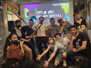 オープンマイク @ 浅草:人気ホステルで海外の方に披露