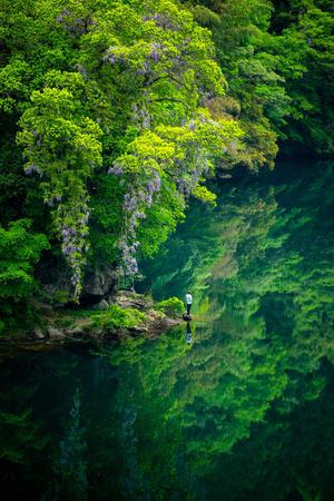 「エメラルドグリーンの白丸湖へ行こう!」
