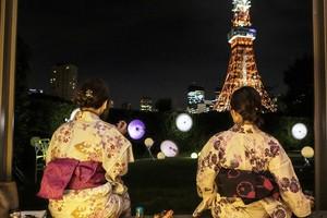 「浴衣&東京タワー&ナイトピクニック!私服でも参加オッケー。雨天の場合は東京タワー内でお茶会にします」