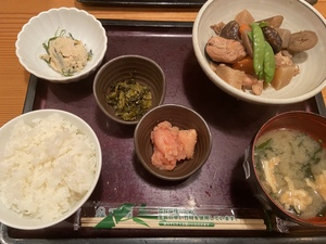 【栄駅近く】博多料理の定食ランチ(明太子、高菜の食べ放題)