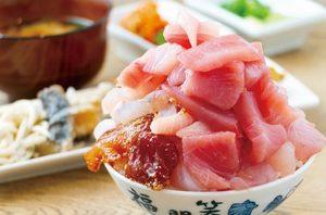 【絶品】築地市場で新鮮な海鮮丼を食べよう!